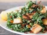 Čekankový salát s uzeným lososem
