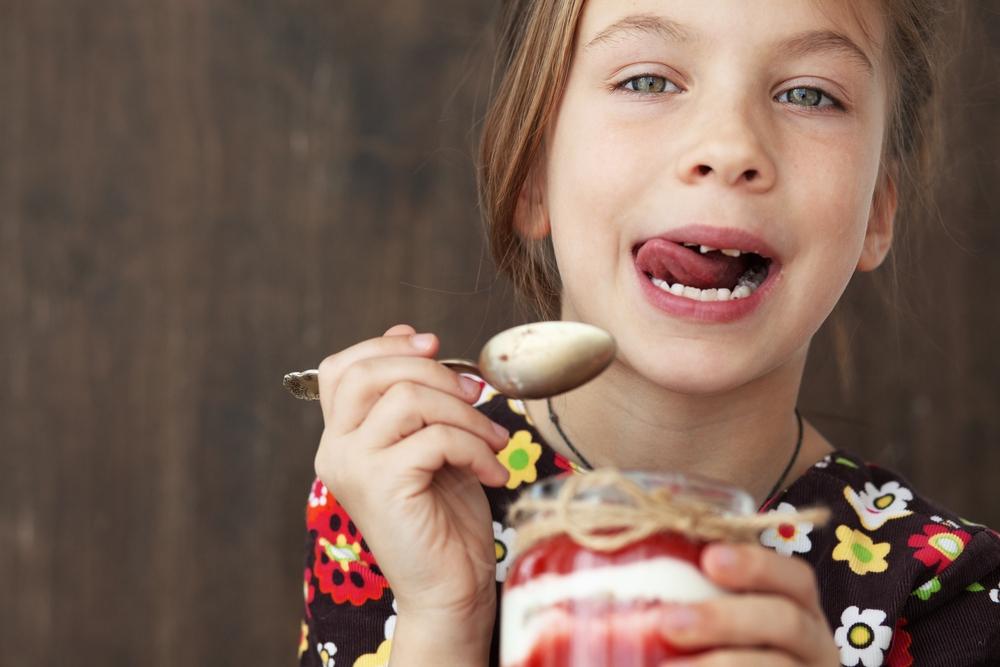 Dítě, dezert, sladké
