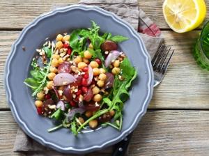 Cizrnový raw salát