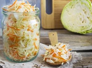 Klasická kvašená zelenina (pickles)