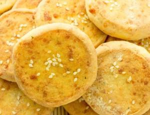 Parmezánové sušenky se sezamovými semínky
