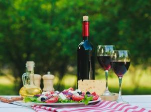 Když se snoubí jídlo s vínem