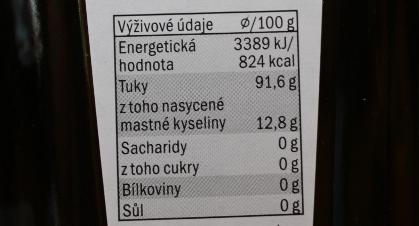 Olivový olej - obsahuje okolo 90% nenasycených mastných kyselin a hodí se tedy jednoznačně do studené kuchyně.