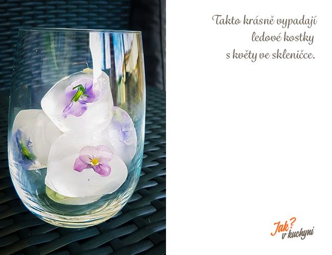 Hotové květy ve skleničce