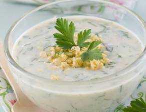 Bulharská okurková polévka Tarator