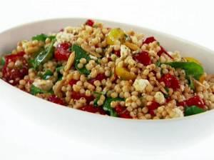Cizrnovo-kuskusový salát s mátou