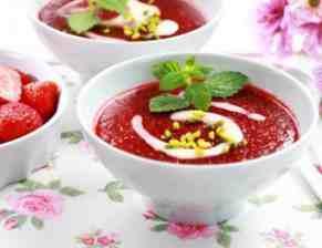 Jahodová polévka s vanilkou