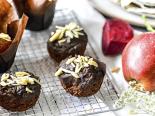 Čokoládové muffiny s červenou řepou