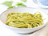 Špagety se špenátovým pestem