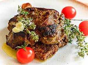 Hovězí steak s bylinkovým máslem