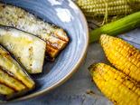 Grilovaná kukuřice a lilky
