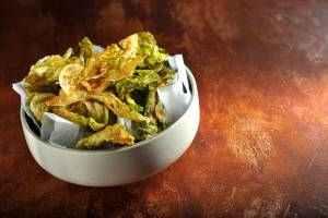 Chipsy z květákových listů v podání šéfkuchaře Igora Chramce