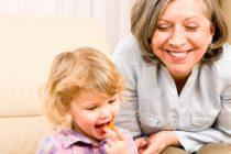 Jak vysvětlit prarodičům, že dítě nepotřebuje sladkosti?