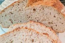 Čtenářka Iva peče: Domácí kváskový chléb